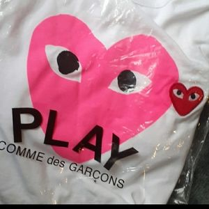 Cdg T shirt/bundle 2 or more for a discount!